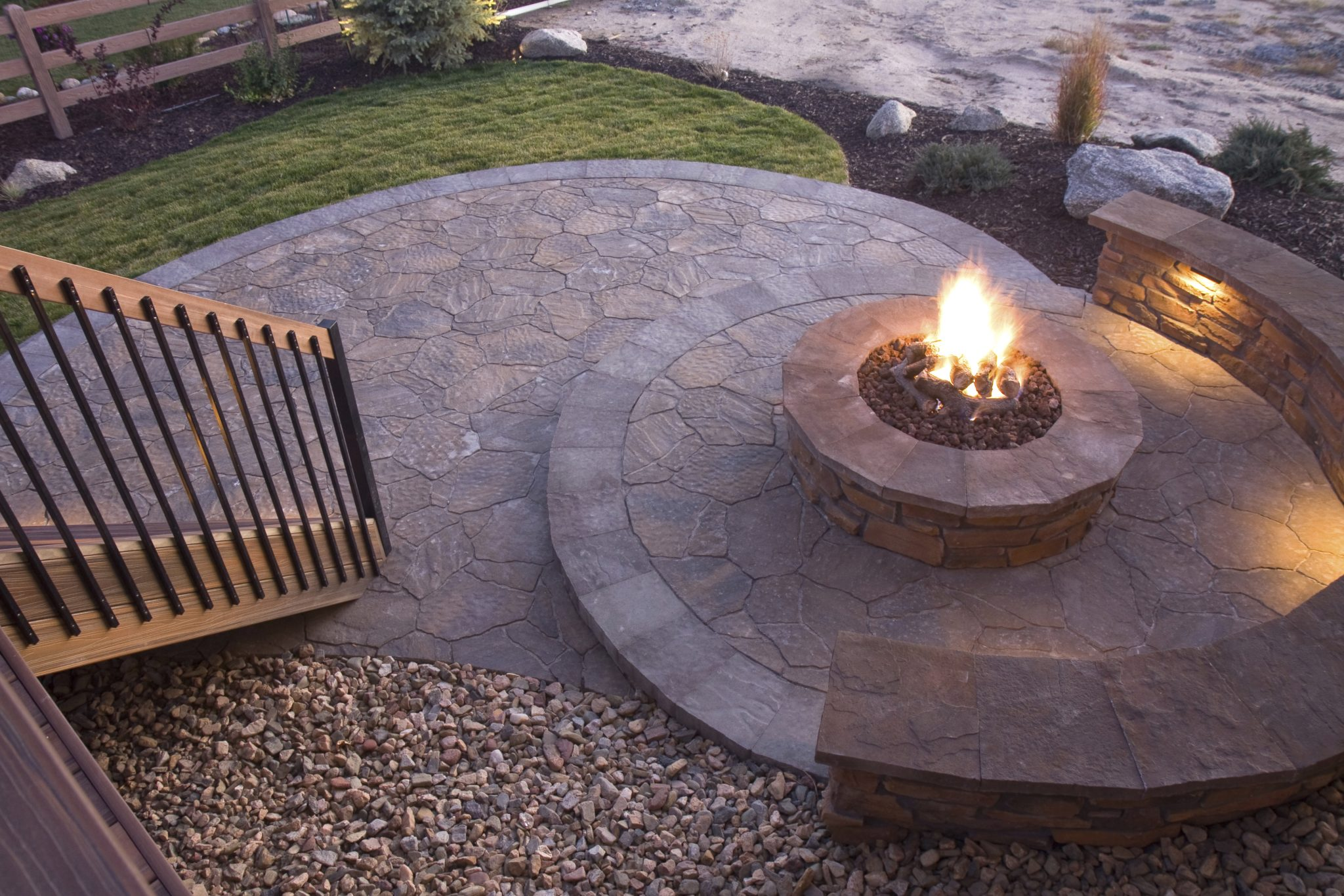 Check out these safety tips for enjoying your outdoor fire pit this summer.