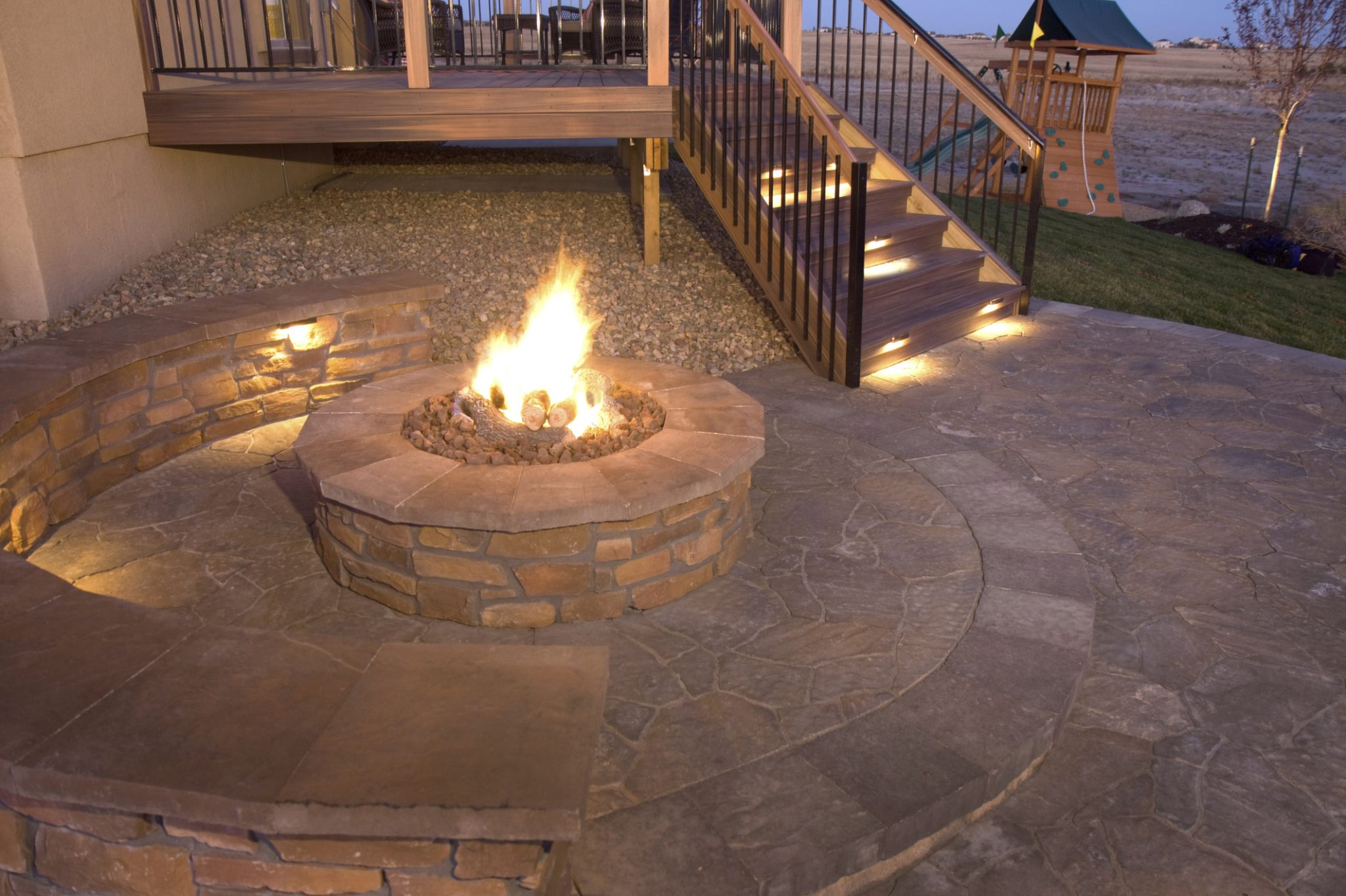 Learn about the differences between a fireplace and a fire pit.