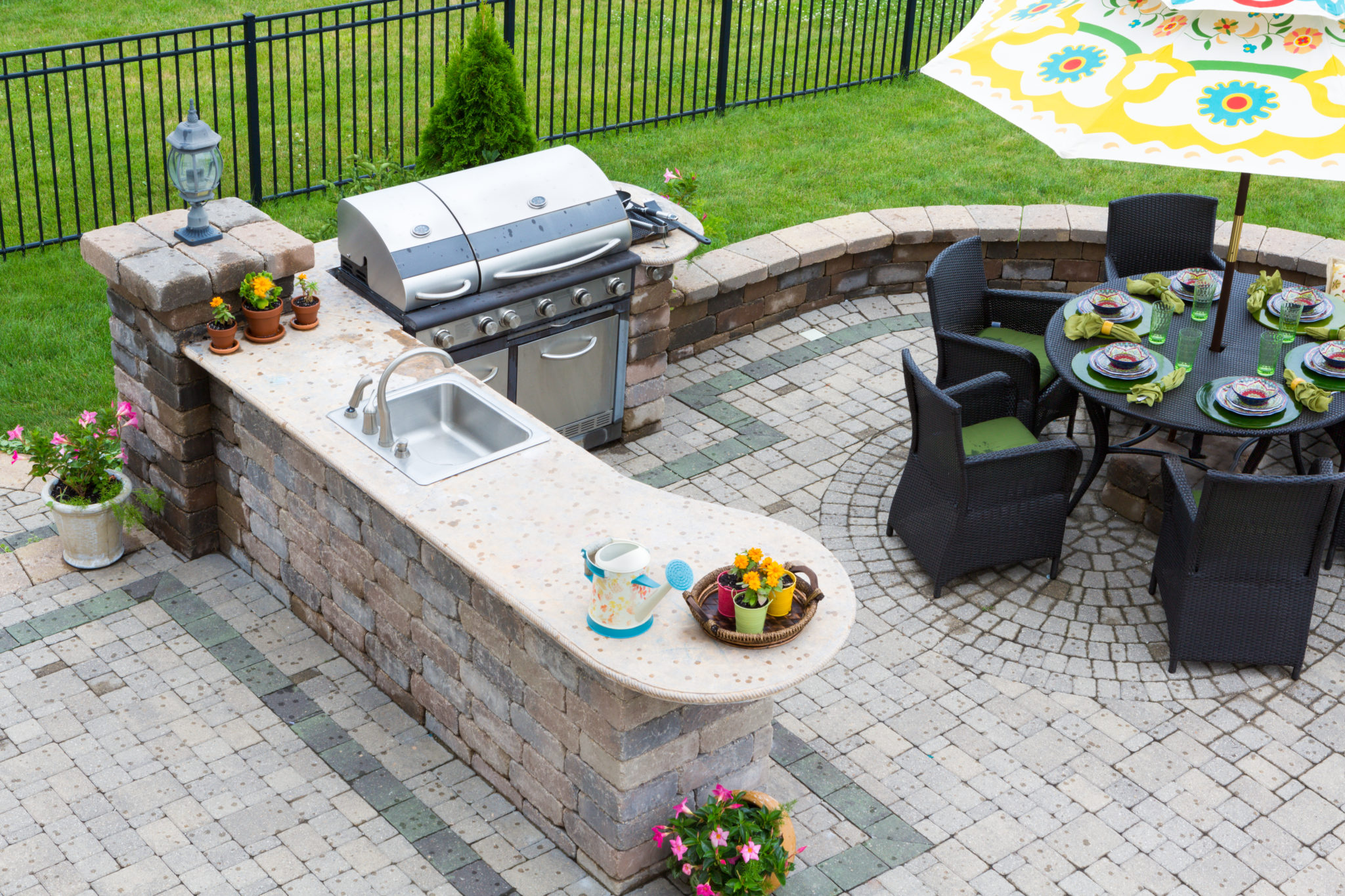 Learn how to protect your outdoor kitchen this winter.