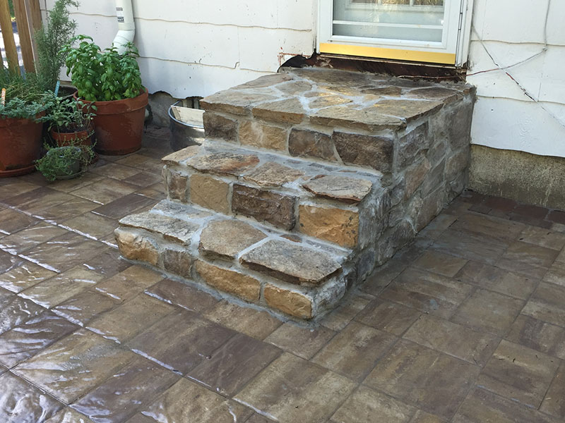 Flagstone and Stone Veneer Steps